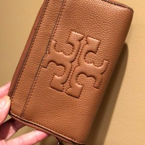 Authentic Tory Burch Bombe-T smartphone wristlet